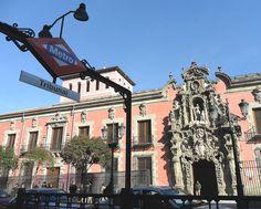 Metro. «Metro de Madrid - Tribunal 01» de Luis García. Disponible bajo la licencia CC BY-SA 3.0 vía Wikimedia Commons - http://commons.wikimedia.org/wiki/File:Metro_de_Madrid_-_Tribunal_01.jpg#mediaviewer/File:Metro_de_Madrid_-_Tribunal_01.jpg