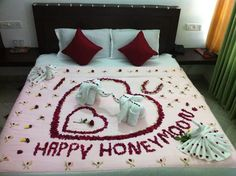 Honeymoon Special Flower Bed Decoration in I CLoud Munnar Wedding Night Room Decorations, Romantic Room Decoration, Romantic Bedroom Design, Birthday Room Decorations, Cloud Decoration, Romantic Room Surprise, Honeymoon Special, Honeymoon Ideas, Wedding Bedroom