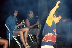 Jimmy Page in Brazil with saxophonist Luciano Silva. Arte Led Zeppelin, John Bonham, John Paul Jones, James Patrick, Jimmy Page, Best Rock, Robert Plant, Great Bands, My Crush