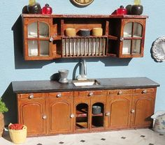 Quarterscale kitchen kit made of cardboard made by Melissa's miniwereld.