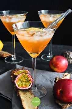 Alcoholic Cocktails, Summer Cocktails, Cocktail Drinks, Cocktail Recipes, Aperitif Drinks, Cocktail Night, Alcohol Recipes, Raw Food Recipes, Yummy Drinks