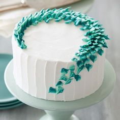 Combine cool shades of green and blue to get this stunning Leaves of Mint Cake. … Combine cool shades of green and blue to get this stunning Leaves of Mint Cake. With one simple piping technique, you can create a dessert that is sure to wow your guests. Cake Decorating Designs, Creative Cake Decorating, Cake Decorating Techniques, Creative Cakes, Creative Birthday Cakes, Cake Decorating Frosting, Decorating Ideas, Mint Cake, How To Make Icing