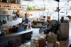 Picknick in Rotterdam Plates on the wall #interiordesign #interior #inspiration #hotspot #picknickrotterdam #rotterdam #hotspot #lunch #coffee