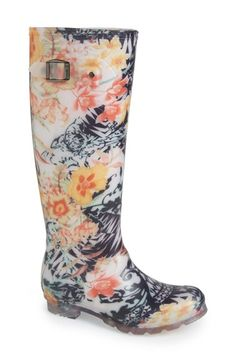 pretty floral rainboots http://rstyle.me/n/t6e49r9te