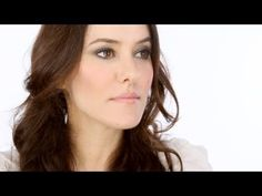 Lisa Eldridge - Organic / Natural make-up look. For a list of products used and more tips visit http://www.lisaeldridge.com/video/17555/organic-natural-make-up-look/ #Makeup #Beauty #Tutorial