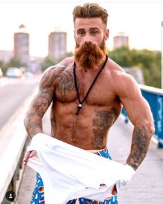 """486 mentions J'aime, 9 commentaires - The Beard Nation (@the_beard_nation) sur Instagram : """"Is this your style of beard? Don't forget to follow for plenty of God like beard pics …"""""""