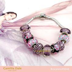 適用於潘朵拉手鍊串飾 歐珠 大口徑珠 施華洛世奇魅力串飾 紫色風情系列卡蜜拉黛兒手鍊 使用韓製不鏽鋼潘朵拉手鍊,採用卡蜜拉黛兒串飾系列#174, #169, #52, #94, #80共10顆。