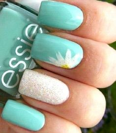 False nails have the advantage of offering a manicure worthy of the most advanced backstage and to hold longer than a simple nail polish. The problem is how to remove them without damaging your nails. Marriage is one of the… Continue Reading → Teal Nails, Fancy Nails, Diy Nails, Cute Nails, Teal Nail Art, Turquoise Toe Nails, Color Nails, Summer Nail Polish Colors, Gold Nails