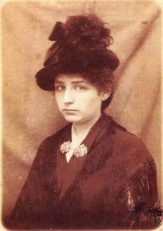 Camille Claudel such an incredible talent, and such a tragedy. You can see the torment in her eyes so well in this pic, it moves my heart.