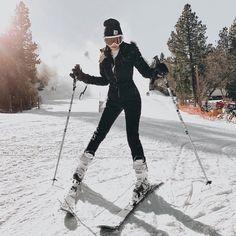 Schnee # Hase Fashionlush Schnee Asos Skitrip Overall Carhar- schneehase Ski Fashion, Winter Fashion Outfits, Fashion Looks, Ski Outfits, Sporty Fashion, Arab Fashion, Sporty Chic, Asos, Snow Outfits For Women