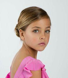 Beautiful Little Girls, The Most Beautiful Girl, Beautiful Children, Kids Outfits Girls, Cute Girl Outfits, Young Models, Child Models, Preteen Fashion, Kids Fashion