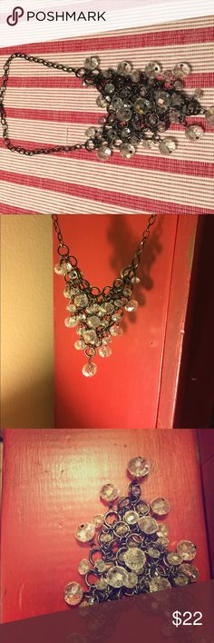 Cute beaded necklace Very cute necklace with dangling beads hooked onto a Chain. Cute for any occasion not too heavy but is chunky. A very cute statement piece! From a boutique I got a while ago! Jewelry Necklaces