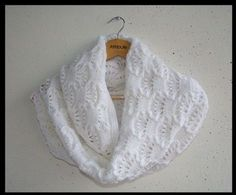 Au tricot un snood avec un joli point : je vous propose ce snood réalisé avec un très beau point, tout en douceur et en beauté