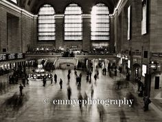 A quality photographic print featuring a long exposure photograph of Grand Central Terminal, New York City (one of my favourite places in the world!)  Printed by a professional lab on Fuji Archive paper, which ensures that colours stay vibrant and wont fade over time. Available in a gloss or matt finish. Image shown in frame for information only - frame and mount not included.  Available in 6 x 4 or 8 x 6 sizes. If you require a different size, please get in touch!  ** Every order includes a…