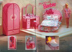 Barbie Pink Magic Bedroom Furniture from Barbie Journal (Finnish), 1992 Mattel Barbie, Barbie Y Ken, Barbie Doll House, Barbie Dream House, Barbie Stuff, Pink Barbie, Barbie Bedroom, Barbie Playsets, Barbie Vintage