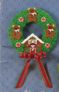 CHRISTMAS GINGERBEARS WREATH 1/3