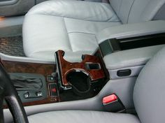Driver's cup holder is for the right hand. | The 18 Worst Things For Left-Handed People