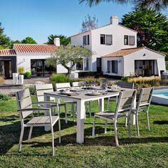 http://www.maisonsdumonde.com/IT/it/produits/fiche/tavolo-grigio-chiaro-da-giardino-in-materiale-composito-simil-legno-e-alluminio-l-180-cm-escale-147235.htm