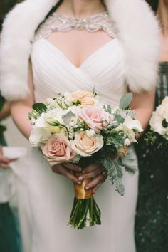 Pretty enough to be a professional photo shoot, this glamorous Portland wedding and its Great Gatsby theme, captured by Yasmin Khajavi Photography, will transport you back in time. Winter Wedding Fur, Winter Wedding Flowers, Winter Bride, Winter Weddings, Wedding Colors, Great Gatsby Wedding, Dream Wedding, Wedding Ideas, Wedding Things