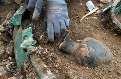 Excavating a Celtic Prince's Tomb: Photos : Discovery News Inside the cauldron, the archaeologists found a ceramic wine vessel, called oniochoe, decorated with black figures.