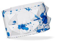 Hermès Collier de Chien paper bracelet. Download, print, color, cut, fold, glue...  #hermes #diy Download the template: http://hermes.com/files/diy/hermesbracelet_bleublanc.pdf