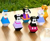 Whole page of Mickey and friends crafts and recipes.  Links to other Disney character crafts as well.  Actual Disney site.