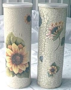 I think these are Pringles containers. Brilliant idea for spaghetti jars, cookie gift tubes etc. Decoupage Vintage, Napkin Decoupage, Decoupage Art, Pringles Dose, Pringles Can, Tin Can Crafts, Diy And Crafts, Arts And Crafts, Decopatch Ideas