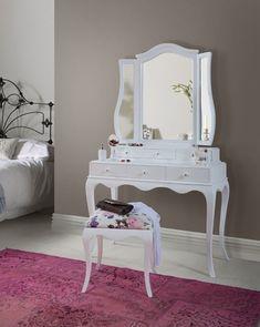 beyaz renk foksiyonel çekmeli makyaj masası modeli