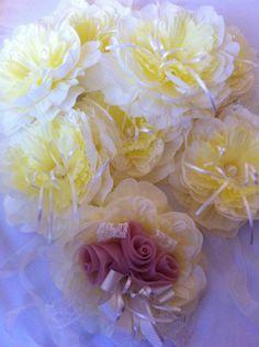 Geline bekarlığa veda kol çiçeği, gelinin arkadaşlarına kol çiçekleri, bekarlığa veda parti organizasyonları, kına gecesi süsleri