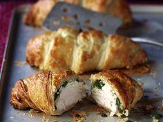 Pikantes Croissant mit Hähnchen und Spinat gefüllt - smarter - Kalorien: 592 Kcal - Zeit: 30 Min. | eatsmarter.de