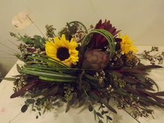 Sunflower center piece arrangement  #thebloomingwillow