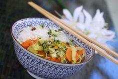 Lauch - Karotten - Gericht nach Thai - Art, ein tolles Rezept aus der Kategorie Gemüse. Bewertungen: 93. Durchschnitt: Ø 4,2.