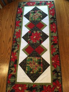 Your place to buy and sell all things handmade Xmas Table Runners, Quilted Table Runners Christmas, Halloween Table Runners, Christmas Runner, Table Runner And Placemats, Table Runner Pattern, Christmas Poinsettia, Christmas Crafts, Purple Christmas