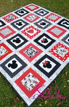 Minnie Mouse Quilt And Mickey Mouse Quilt Disney Themed By Ktb8293 Ladybug Quilt Shop Jacksonville Fl Ladybug Landing Quilt Pattern Texas Ladybug Quilts