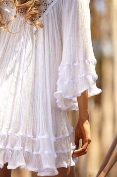 <3  TULUM VIA PARIS~Wish I could see all of this dress,so love what I can see. Kimberly Stanley