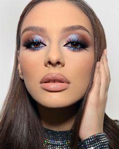 Eye Makeup Designs, Eye Makeup Art, Skin Makeup, Halo Eye Makeup, Cut Crease Makeup, Dramatic Makeup, Blue Makeup Looks, Glam Makeup Look, Glamour Makeup