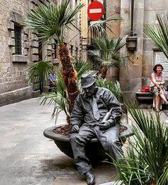 A l i    C a b r e r a (@ali_cabreram Estatua humana.