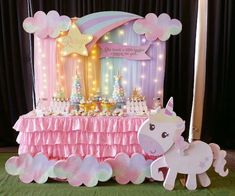 Megan's Magical Unicorn and Princess Theme Party – Birthday Birthday Party Decorations Diy, Birthday Party Tables, Party Themes, Ideas Party, Party Centerpieces, Party Unicorn, Unicorn Birthday Parties, Princess Theme Party, Deco Table