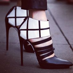 Black and White Stiletto Pumps - Balenciaga Stilettos, High Heels, Stiletto Heels, Crazy Shoes, Me Too Shoes, Fancy Shoes, Mode Shoes, Black And White Shoes, Beautiful Shoes