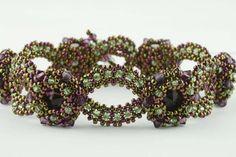 Beading Tutorial - Starlight Bracelet di KellyWiese su Etsy https://www.etsy.com/it/listing/168801825/beading-tutorial-starlight-bracelet