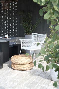 HÖGSTEN tuinstoel, ALSEDA voetenbank. Deze pin repinnen wij om jullie te inspireren! #IKEArepint