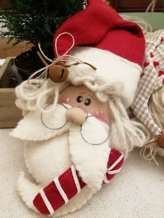 Felt Christmas Decorations, Christmas Ornament Crafts, Christmas Wood, Homemade Christmas, Christmas Projects, Felt Crafts, Holiday Crafts, Santa Crafts, Snowman Crafts