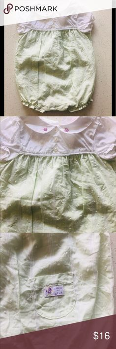EUC JANIE AND JACK BEAUTIFUL BABY GIRL OUTFIT 3-6 Beautiful Janie and Jack baby girl one piece outfit with pretty embroidered detail on the collar and throughout size 3 to 6 months in excellent condition. Janie and Jack Matching Sets