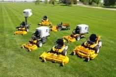 Walker przygotował kosiarki na każde warunki - z wyrzutem bocznym, zbierające, mulczujące i do bardzooooo wysokiej trawy. Lawn Equipment, Outdoor Power Equipment, Types Of Lawn, Zero Turn Lawn Mowers, Tractors, Grass, Golf Courses, Landscape, Tractor