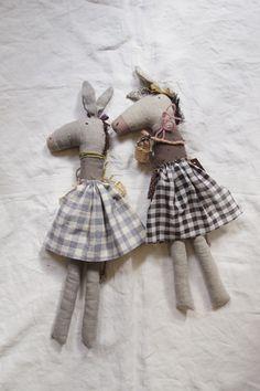 donkey dolls in dresses Plush Dolls, Doll Toys, Rag Dolls, Handmade Soft Toys, Creative Textiles, Space Toys, Sock Animals, Bear Doll, Cute Crafts