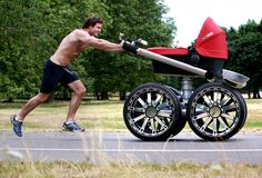 אם היו מסיעים אותי בעגלה כזאת, הייתי נשאר בה עד גיל 17... או עד שהיו קונים לי אופנוע של הארלי דוידסון