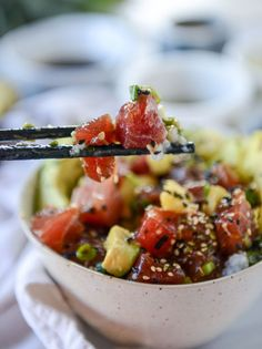 Ahi Poke Bowls With Pineapple And Avocado How Sweet Eats - Ahi Poke Bowls With Pineapple And Avocado By Jessica On February If Youve Never Had A Poke Bowl Or Get Freaked Out At The Idea Of Preparing This Yourself Seriously Go Buy Fish Recipes, Seafood Recipes, Asian Recipes, Cooking Recipes, Healthy Recipes, Ethnic Recipes, Fresh Tuna Recipes, Avocado Recipes, Cooking Tips