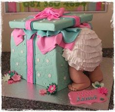This would make a wonderful gender reveal. ``Look inside for the surprise``
