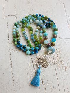 Mala Liebe Kette Diese Kette kann individuell bei uns bestellt werden! Tassel Necklace, Necklaces, Tassels, Beads, Jewelry, Fashion, Pearls, Love, Schmuck