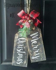 Christmas Door, Primitive Christmas, Christmas Signs, Handmade Christmas, Christmas Wreaths, Christmas Decorations, Christmas Ornaments, Christmas Ideas, Christmas Craft Projects
